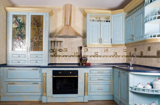 белая кухня в стиле прованс плитка настенная фото